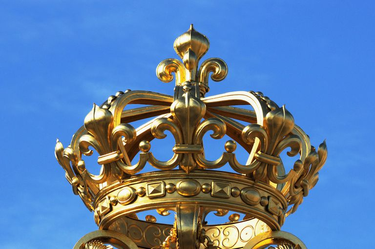 Ornate gold crown artwork