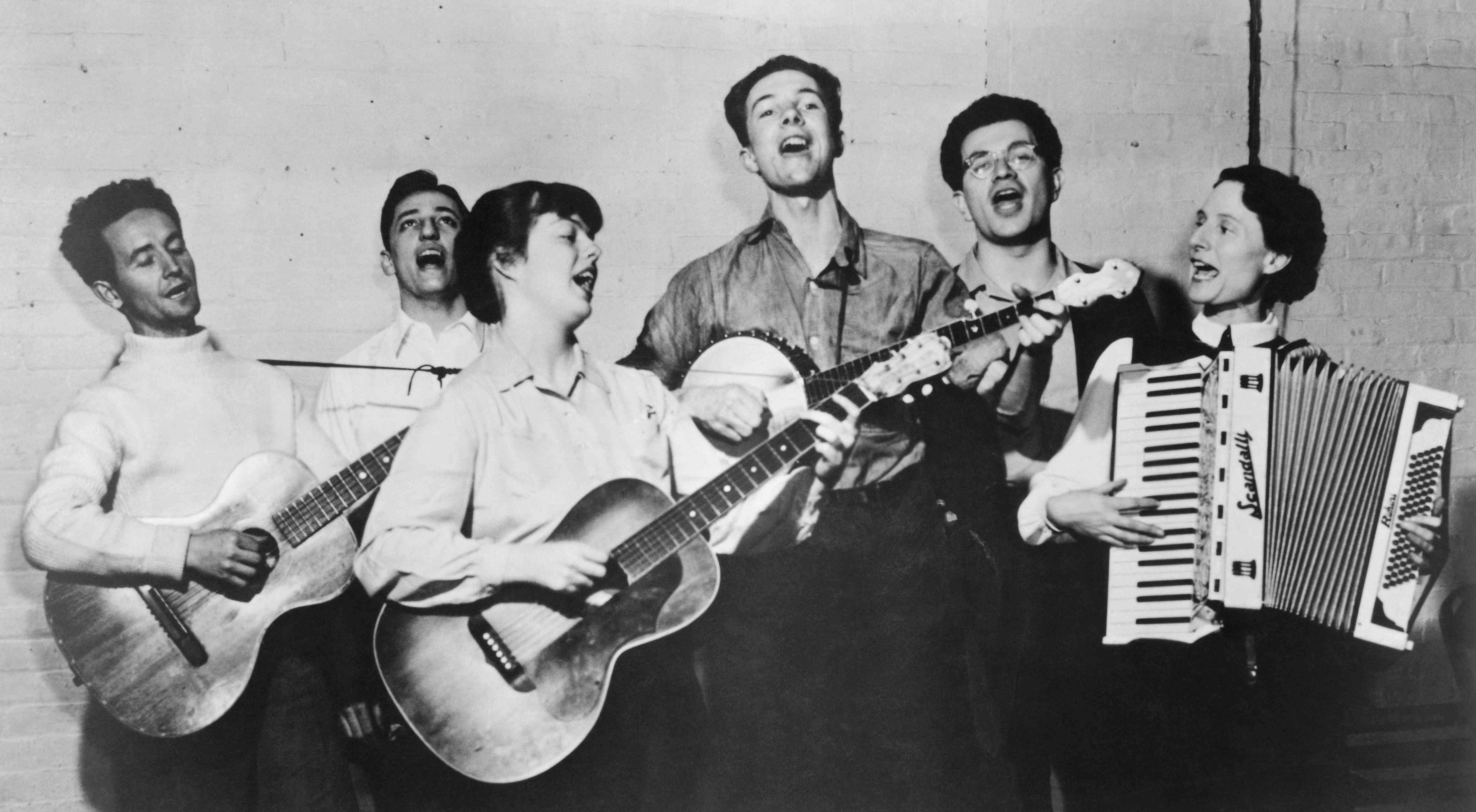 New York City, Almanac Singers, Woody Guthrie