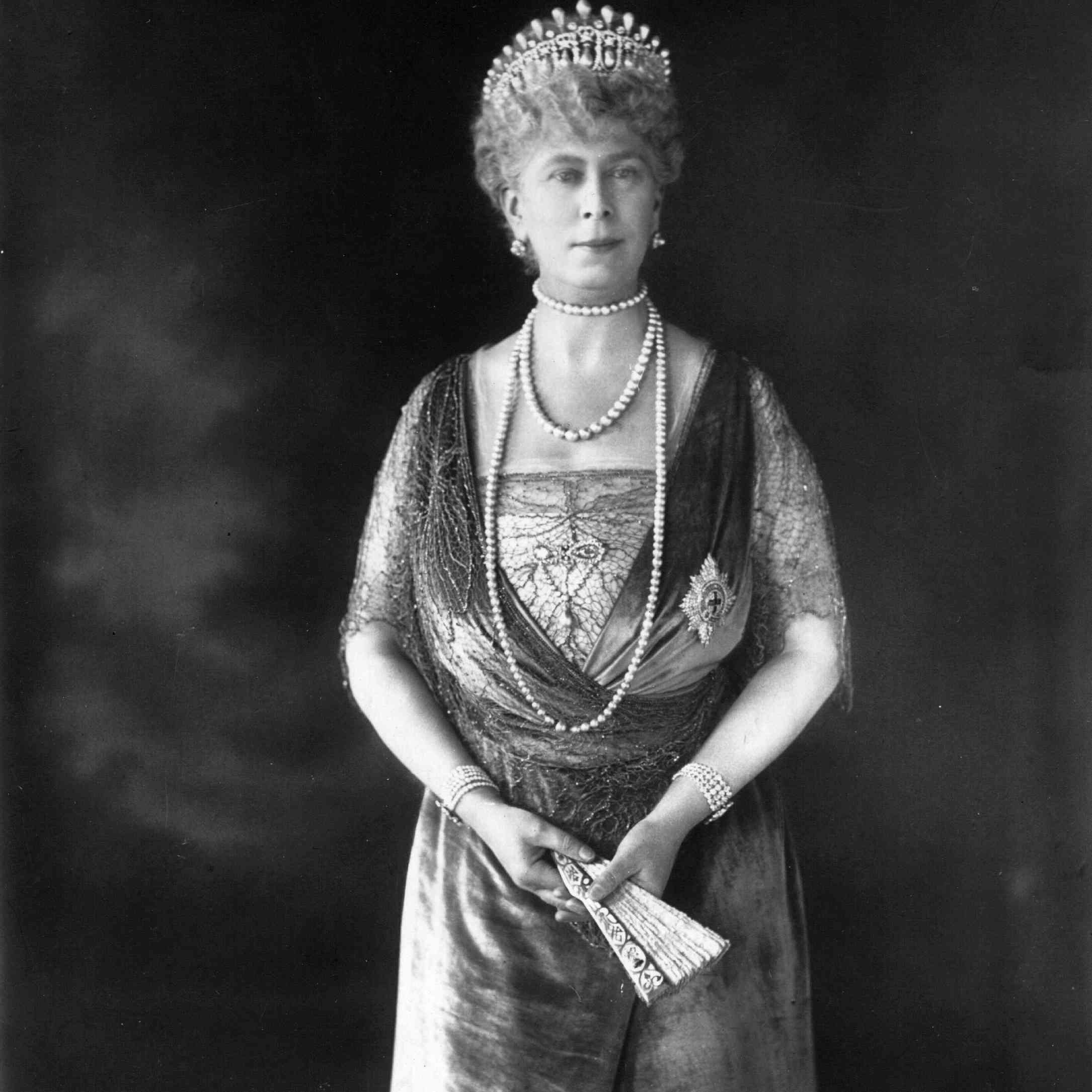Photograph of Queen Mary of Teck in a formal gown and tiara