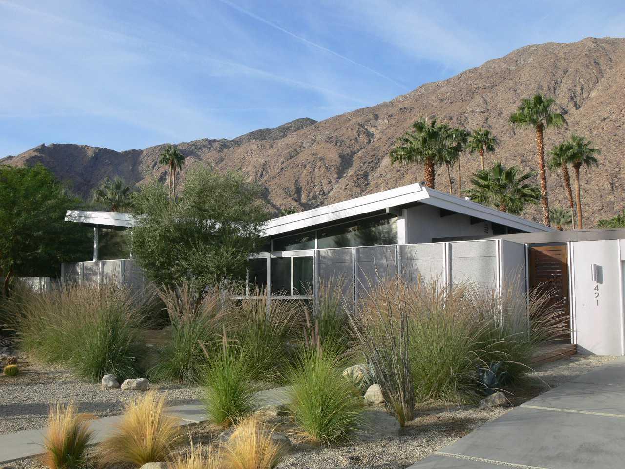 Σπίτι με στέγη πεταλούδας, Παλμ Σπρινγκς, Καλιφόρνια