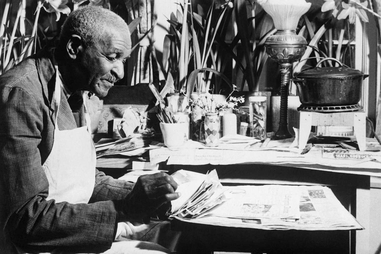 Black and white photo of George Washington Carver.