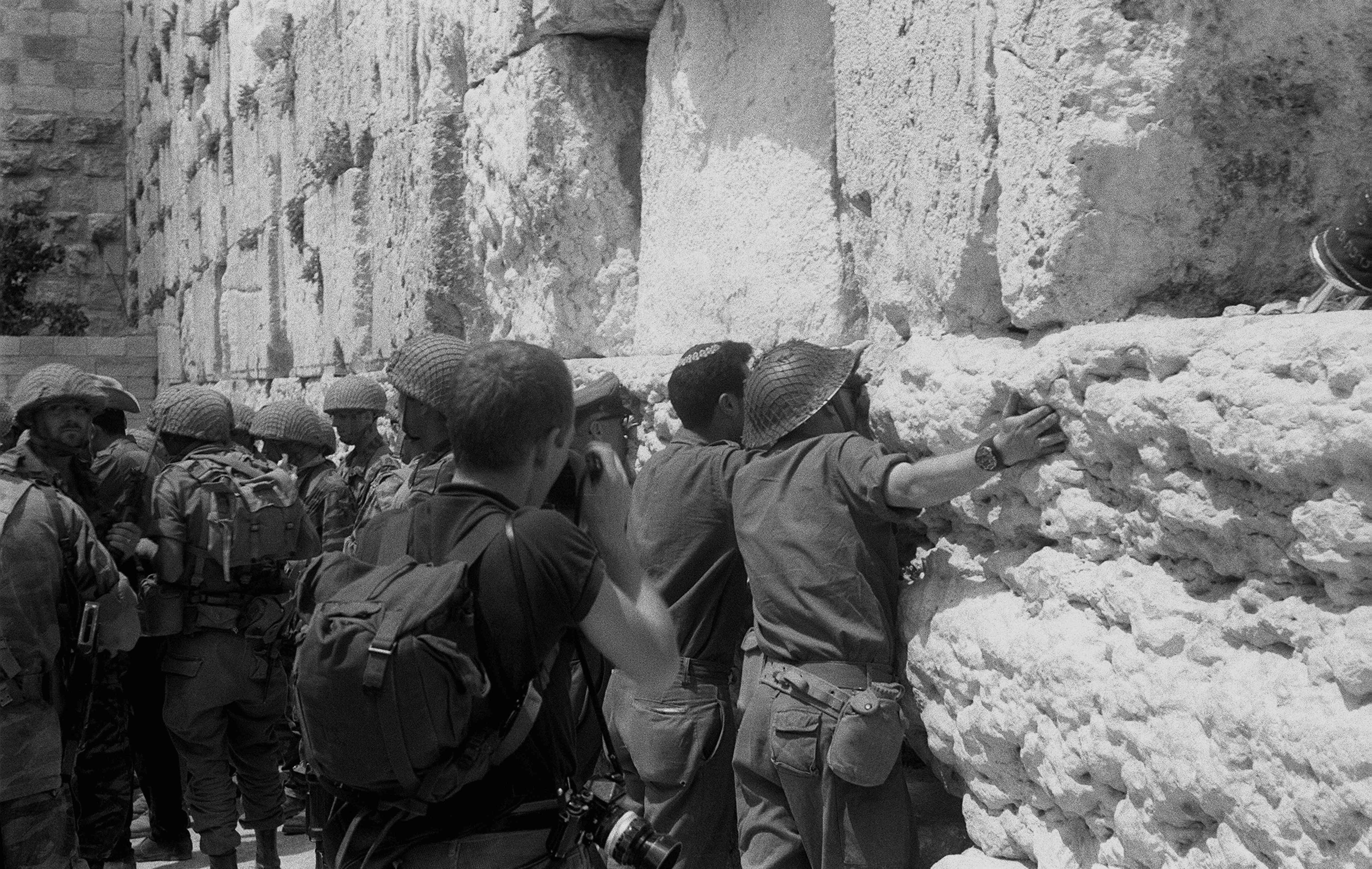 Israeli soldiers at the Western Wall in Jerusalem