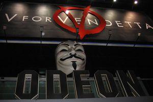 V for Vendetta 1 premiere sign