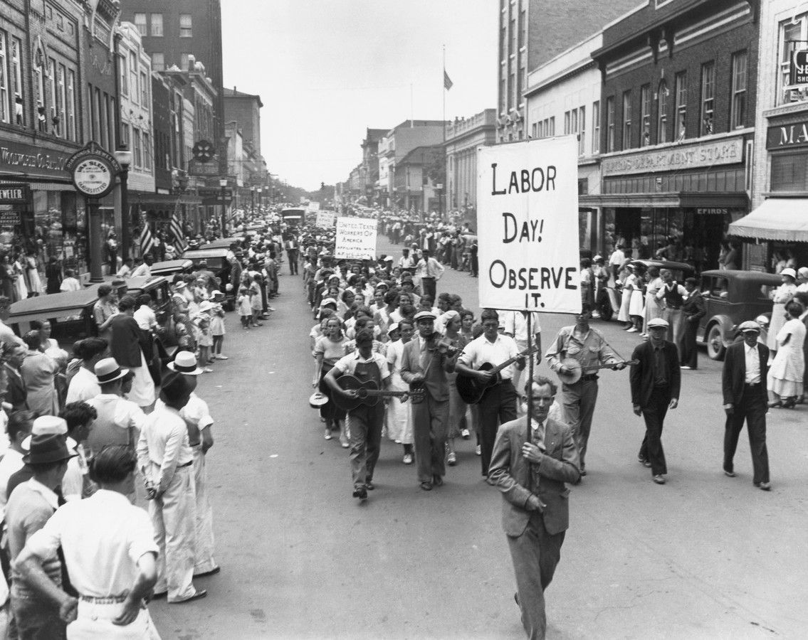 a glimpse at the three labor groups of america Jewish immigration to america: three  the first group of sephardic settlers arrived in  jewish workers supported the labor movement's struggle for.
