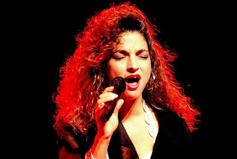 Gloria Estefan performs live during her '80s heyday.