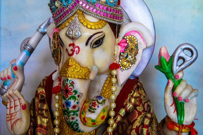 Jai Ganesh Lyrics In English 9 Popular Renditions Of The Timeless Aarti