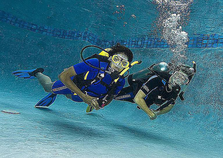 Scuba Diving Refresher Course Before a Dive Trip