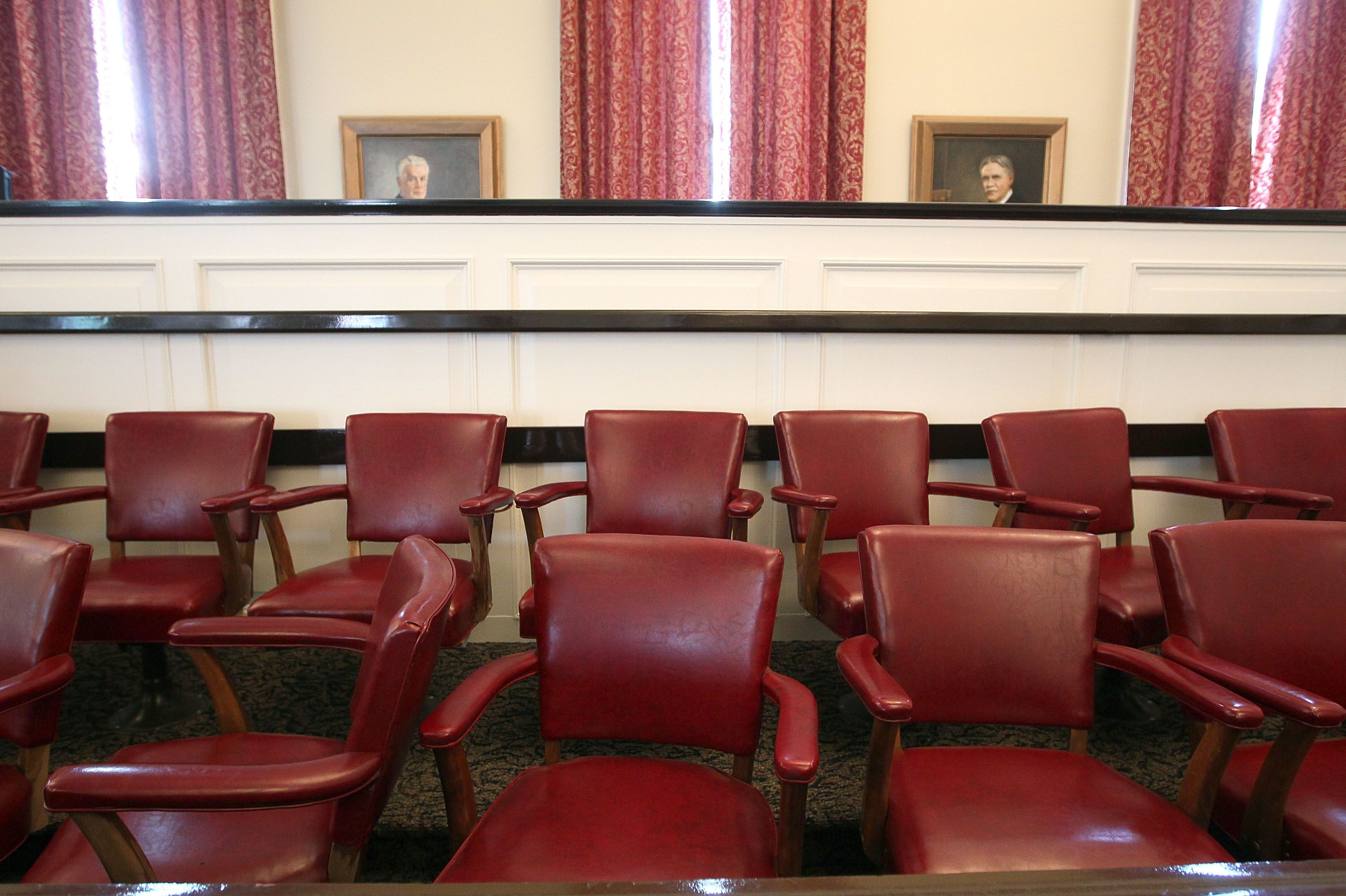 How Jurors Are Chosen in the U S  Court System