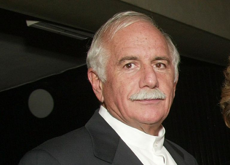 White man, white hair, white mustache, Moshe Safdie in 2003