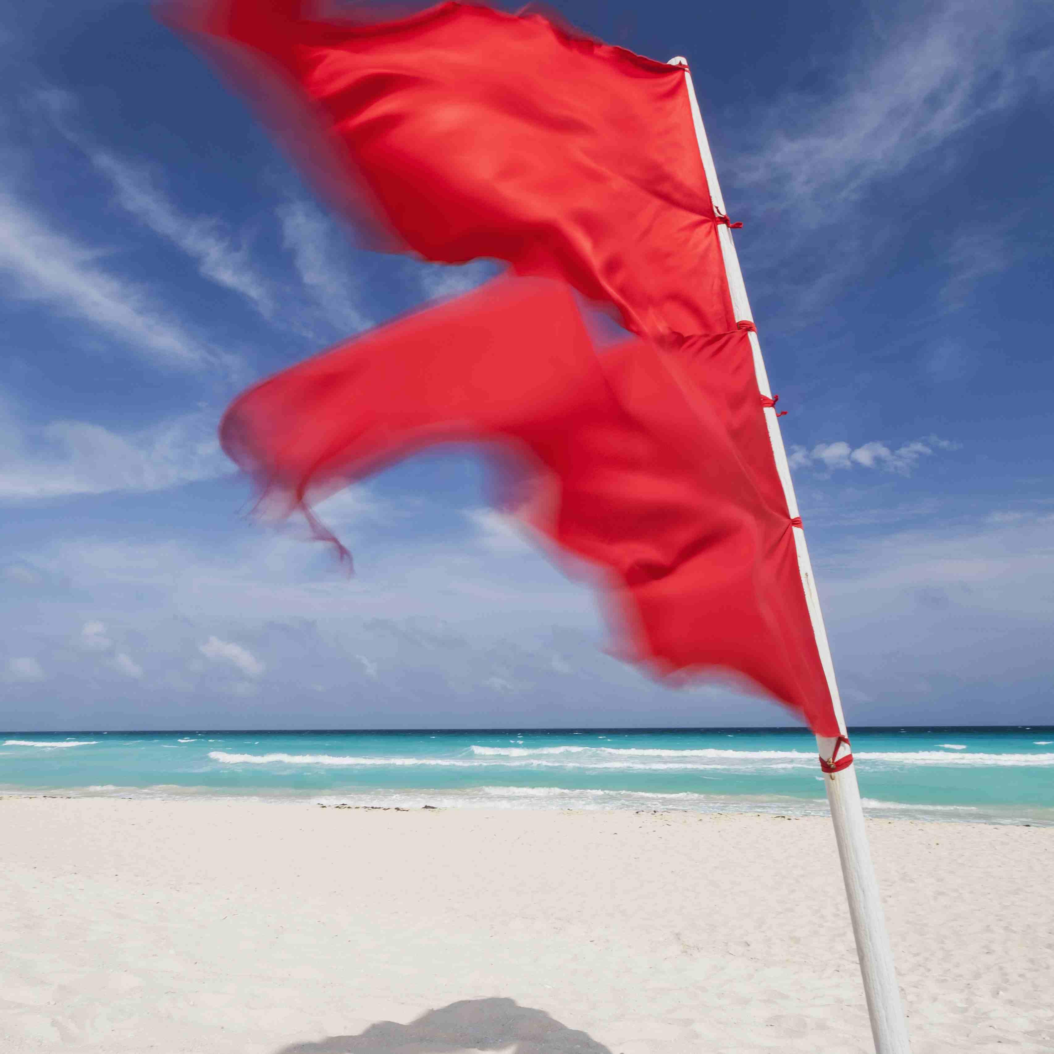 Mexico, Quintana Roo, Yucatan Peninsula, Cancun, Red flag on beach