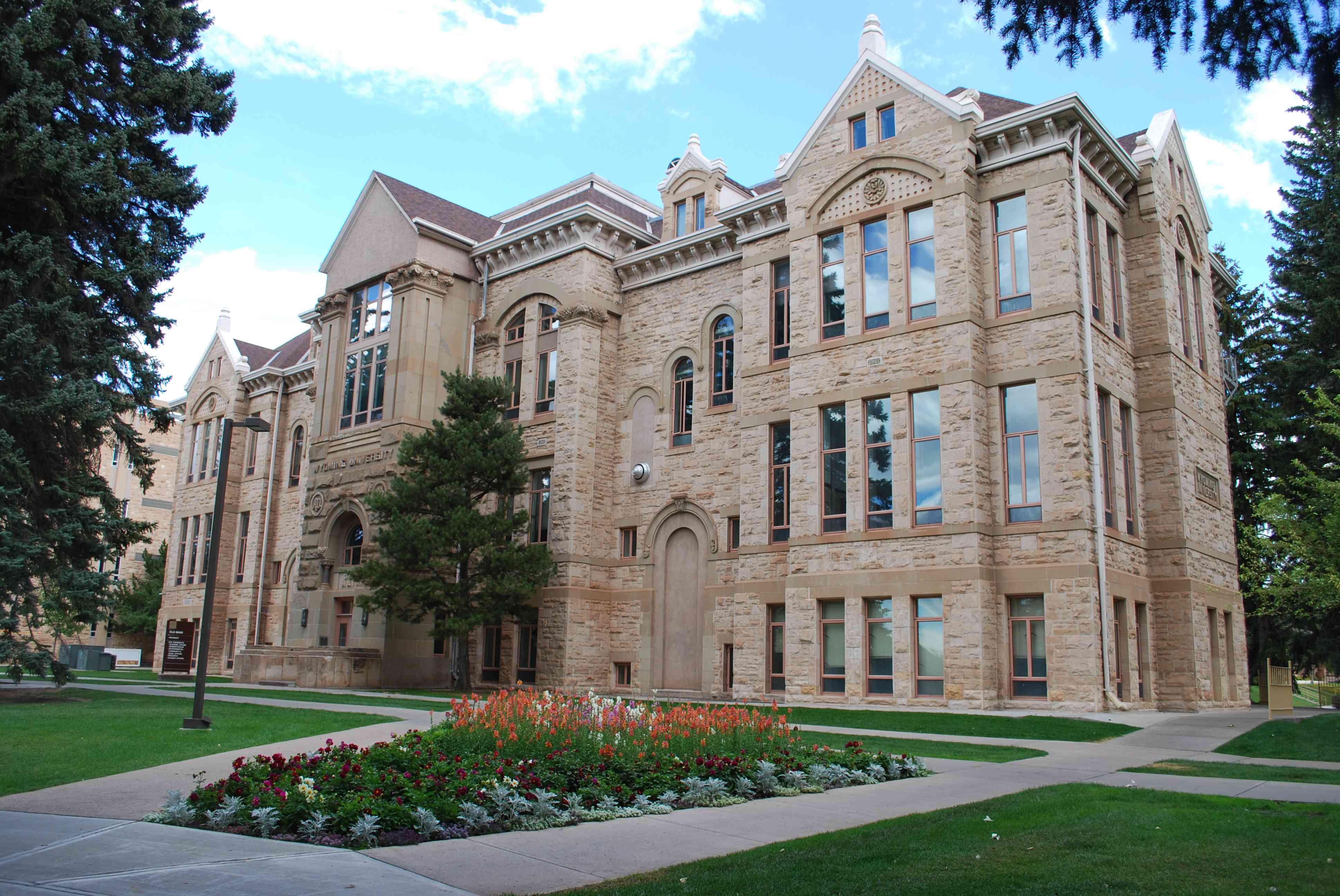 Old Main en la Universidad de Wyoming