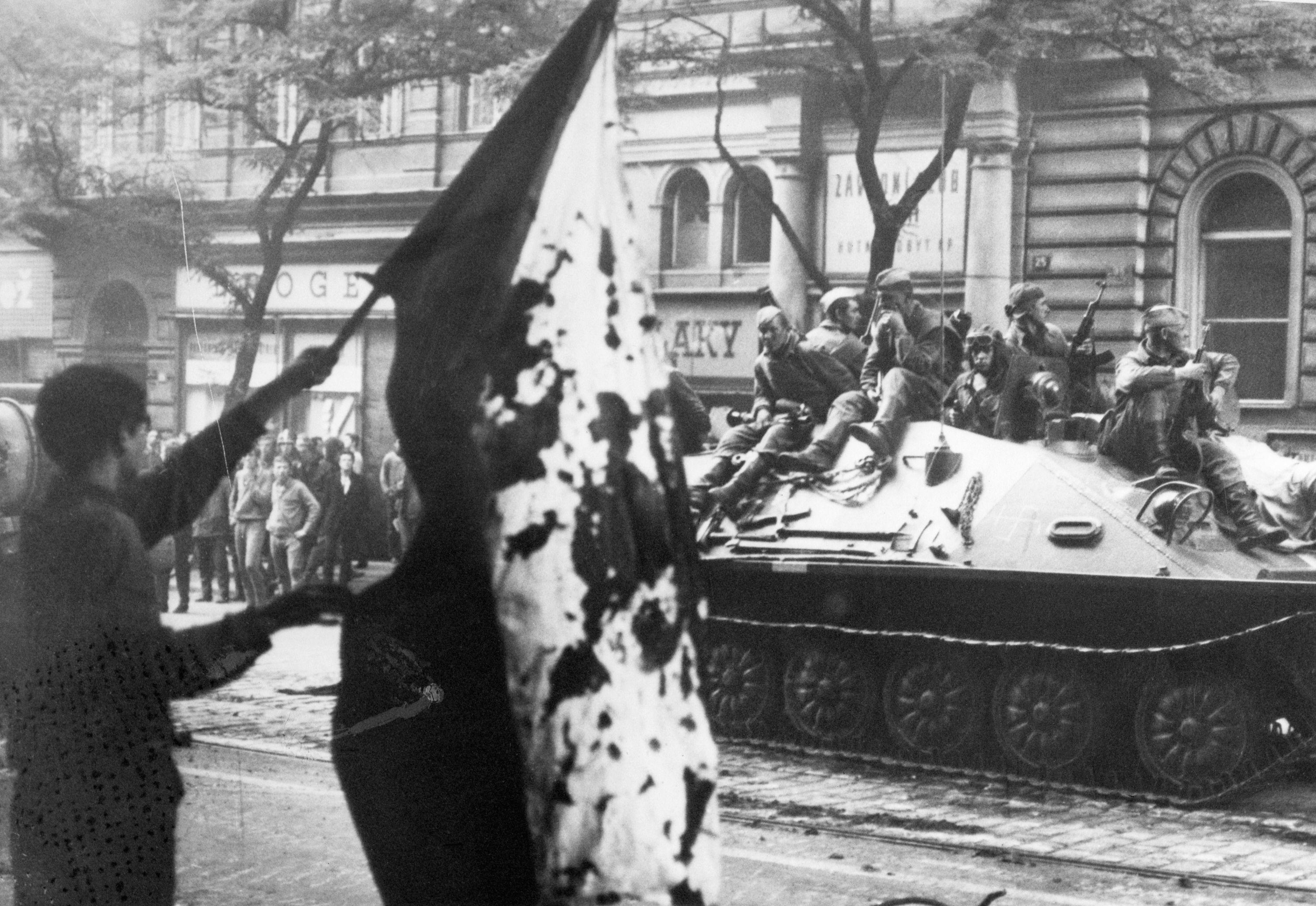 Photo of Soviet tanks invading Czechoslovakia in 1968