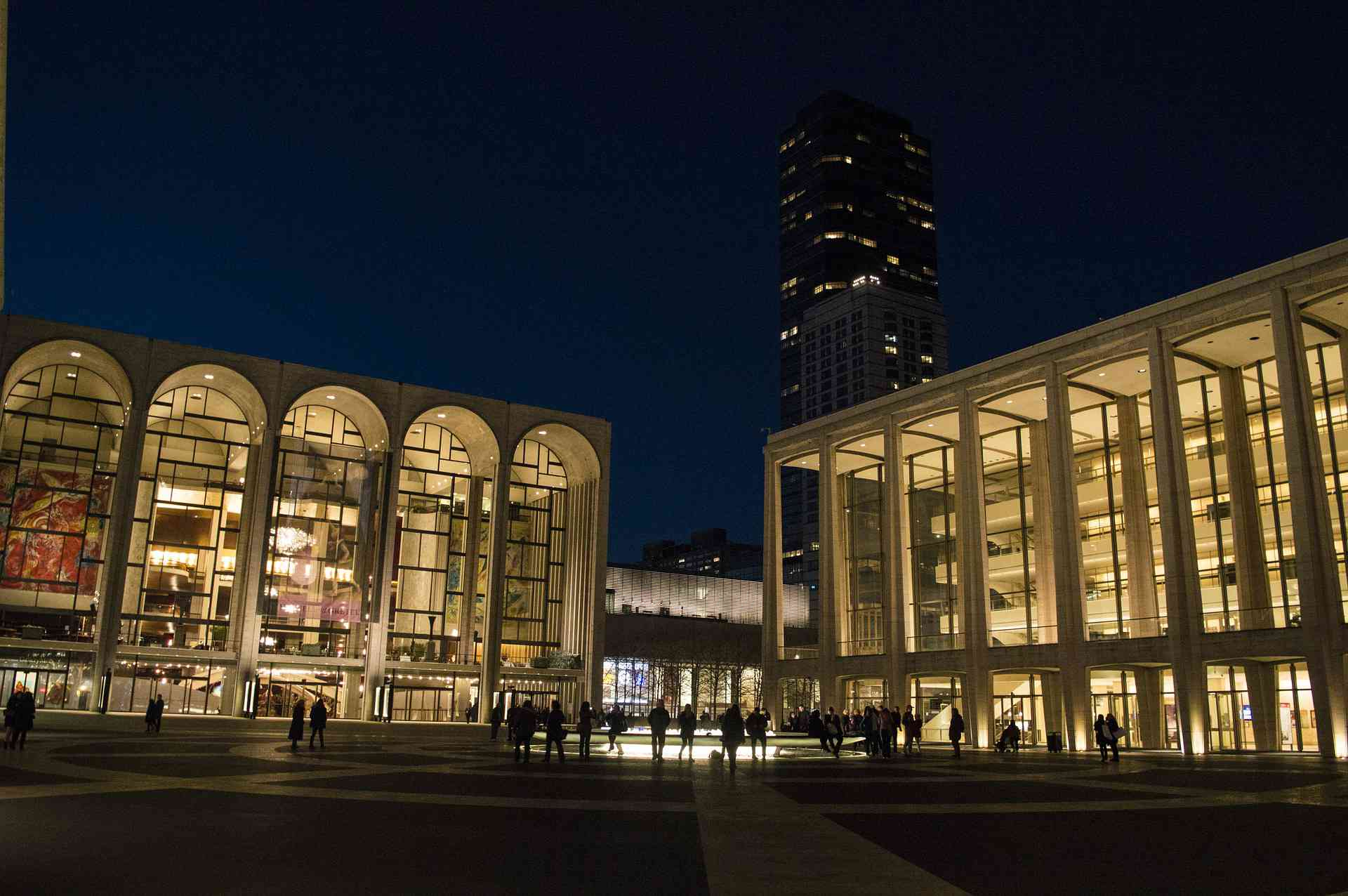Nine Top Drama Schools in the United States