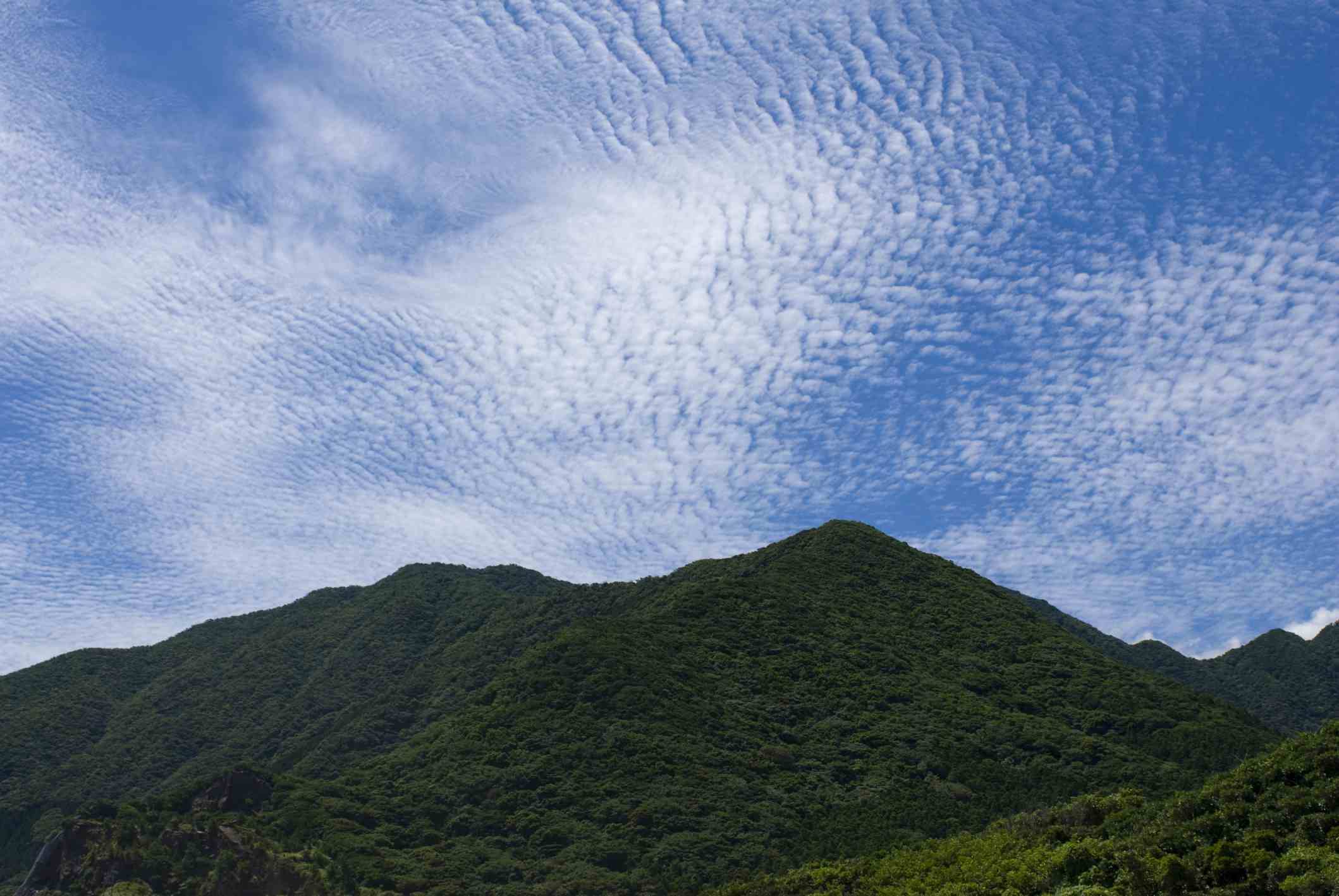 cirrocumulus over mountains