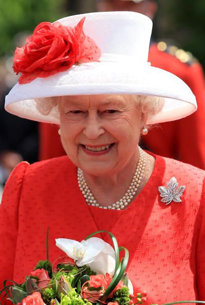 queen-elizabeth-ottawa-07012010.jpg