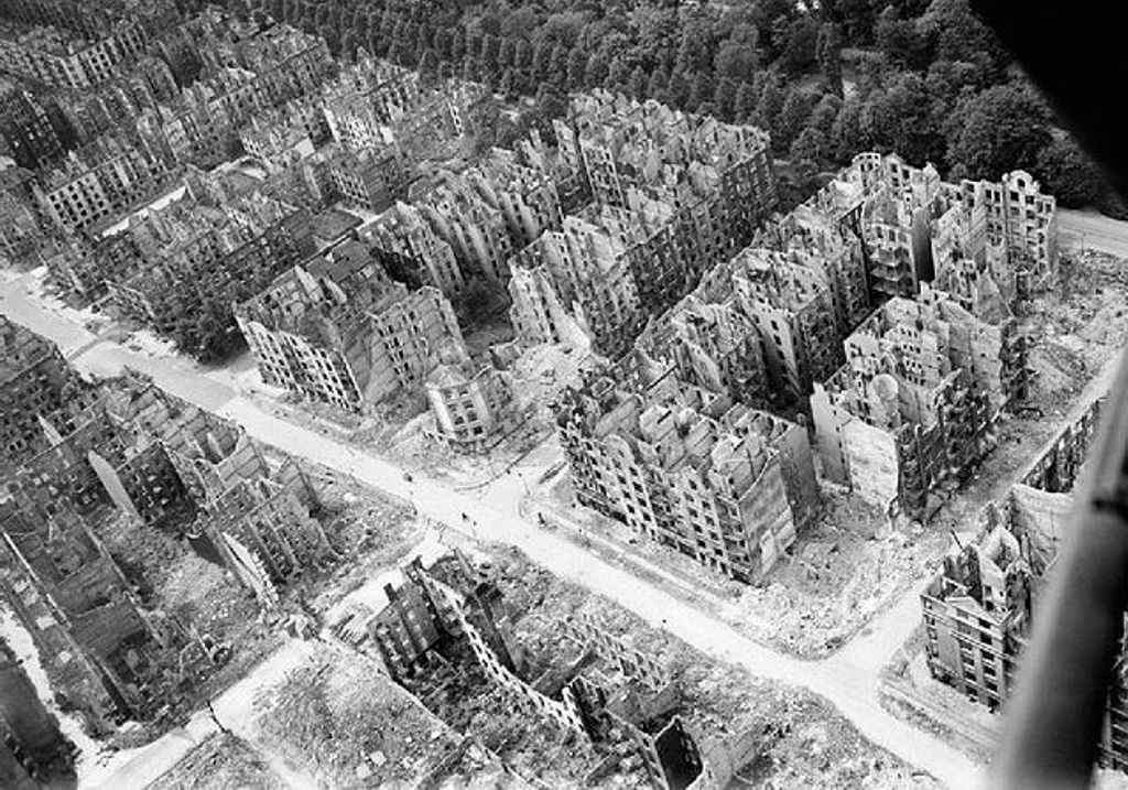 Aerial photo of bomb-damaged buildings.