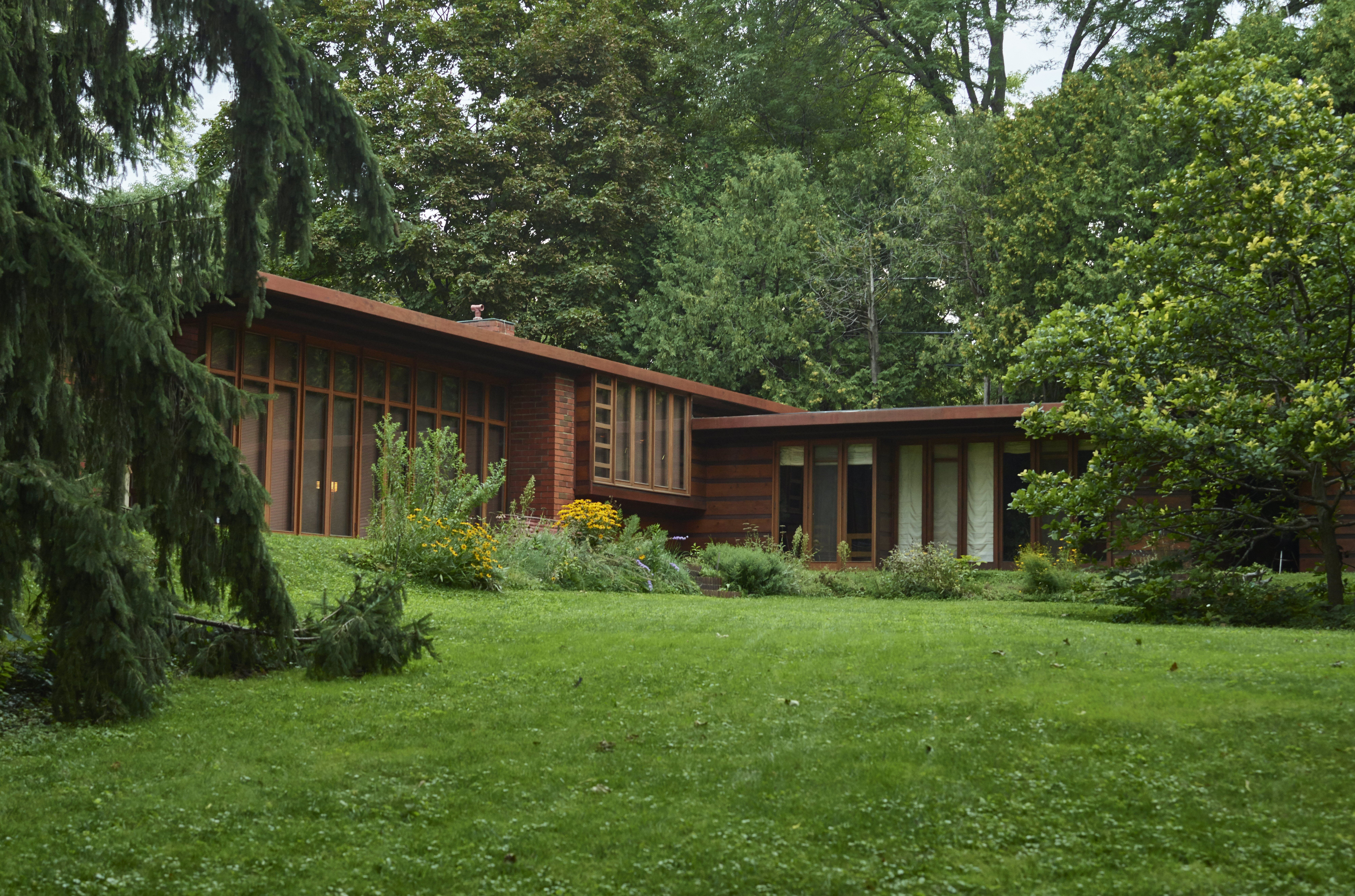 Guide to Mid-Century American Homes, 1930 to 1965 on