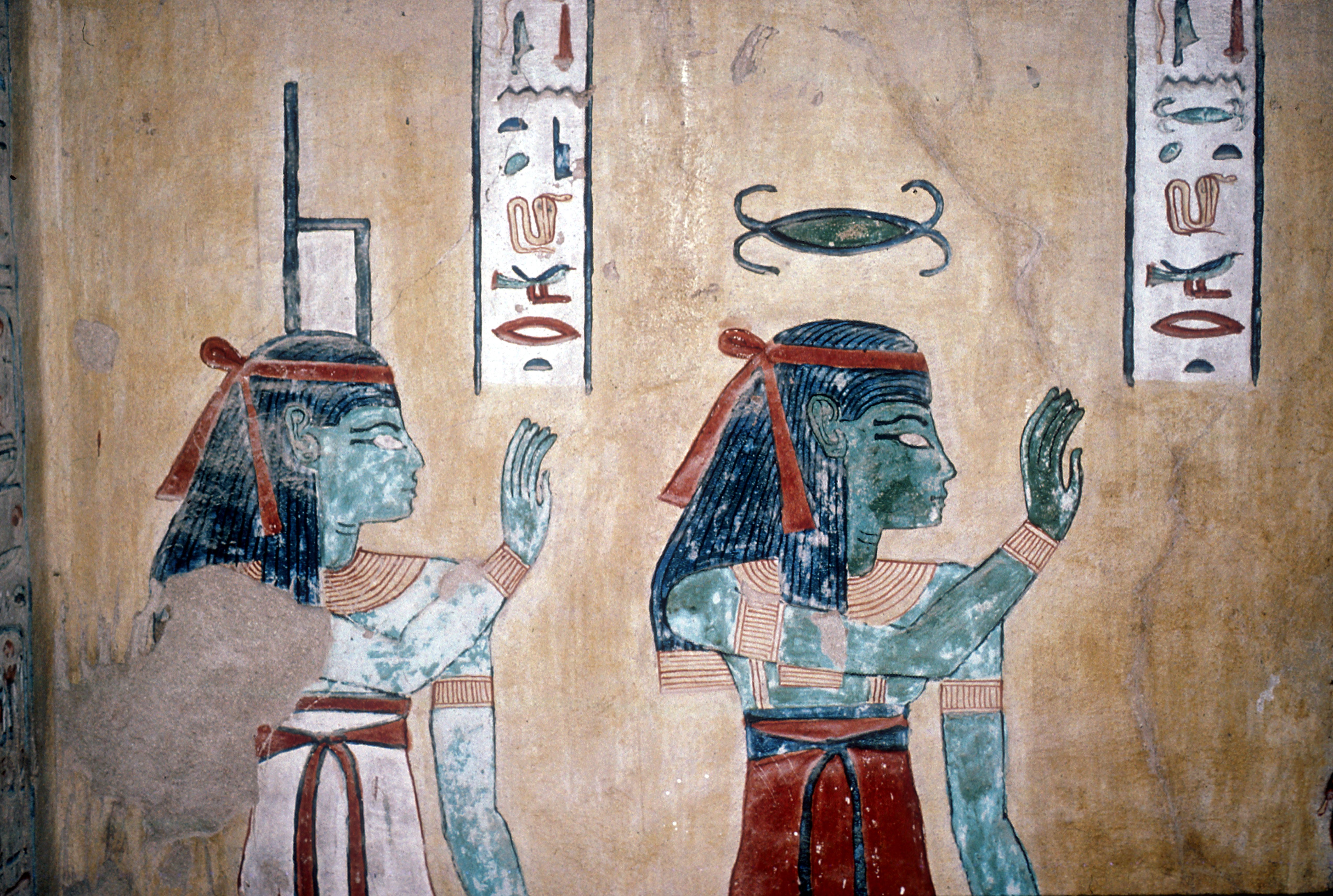 Wallpainting of the goddesses Isis & Neith.