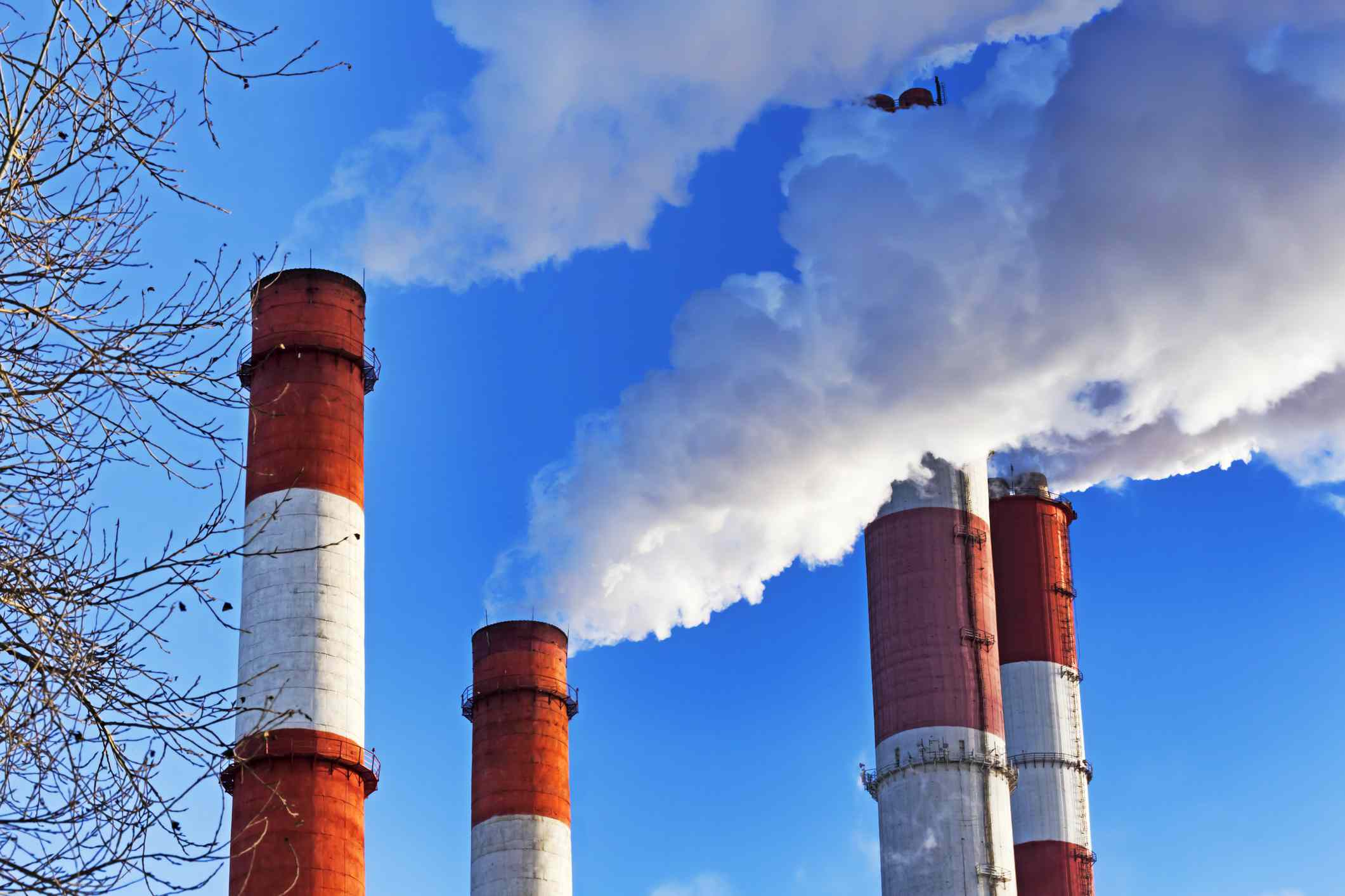 Chimneys with steam production of a thermal power station