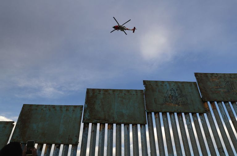 Valla fronteriza entre EE.UU. y México en Tijuana