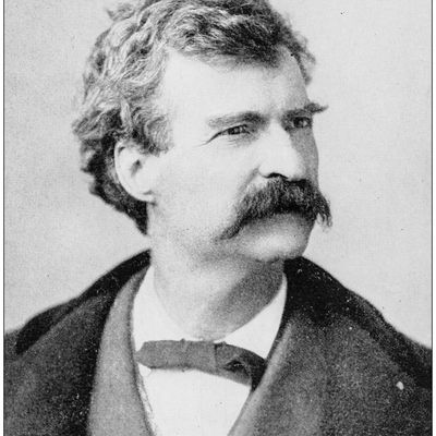 samuel clemens writing style Mark twain (born samuel clemens) was who many consider to be the first authentically american voice in writing through his stories, the reader felt a kinship to characters who were, for the first .