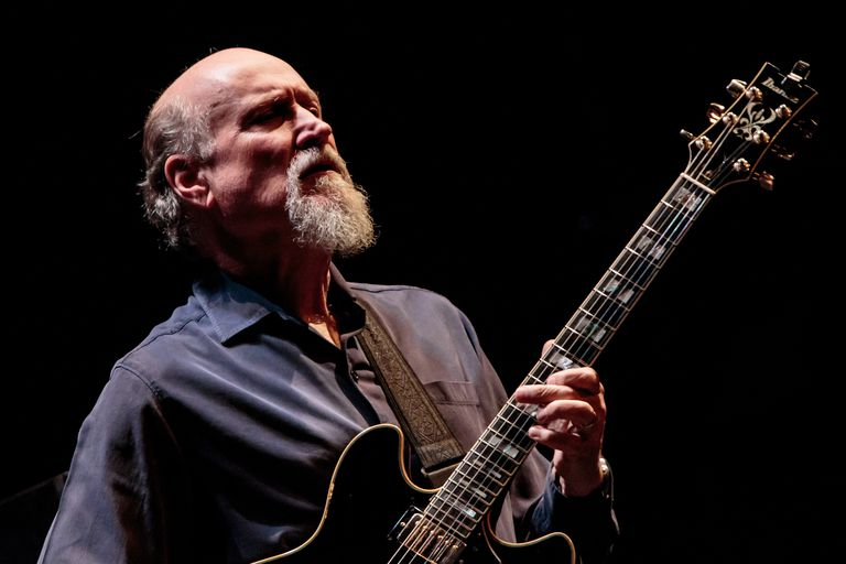 John Scofield Performs