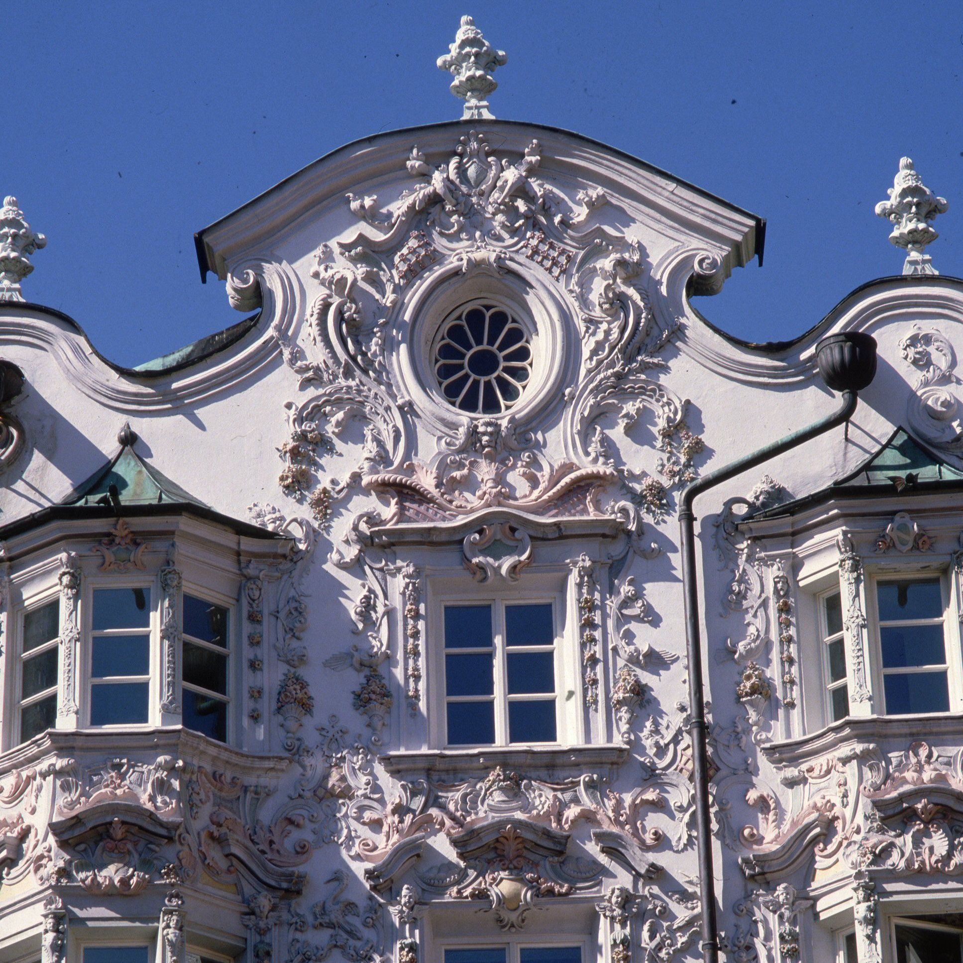 What Makes Baroque Unique To Rococo