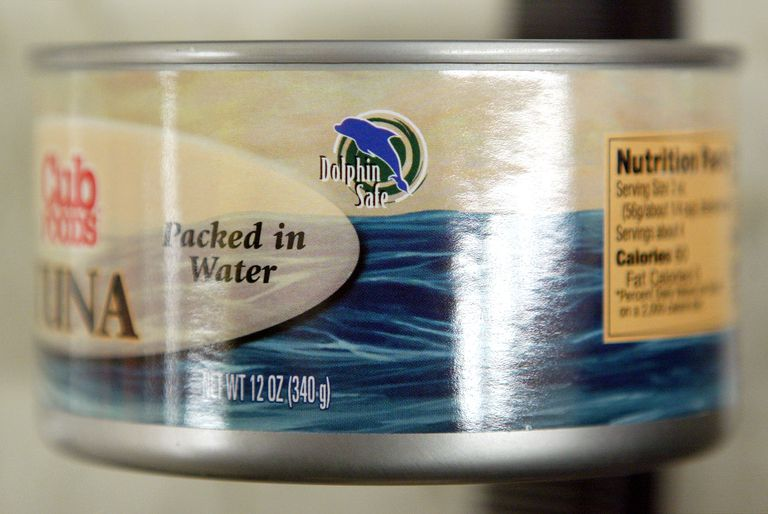 """A """"Dolphin-Safe"""" label on a can of tuna"""