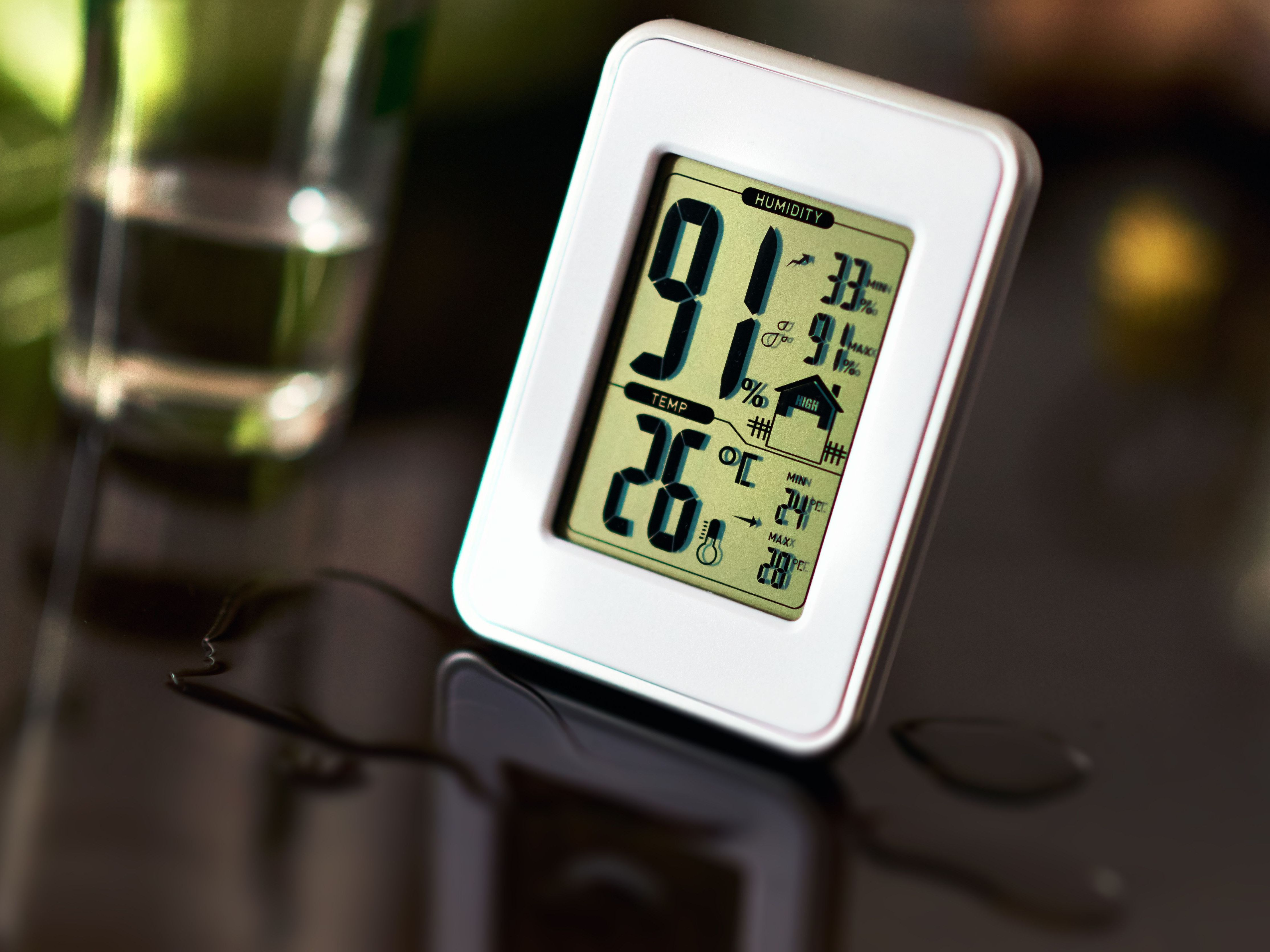 Twin Dial Thermometer Hygrometer To Measure Temperature and Humidity Levels