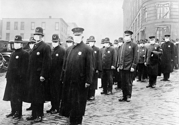 A picture of policemen in Seattle wearing masks during the 1918 Spanish flu pandemic.