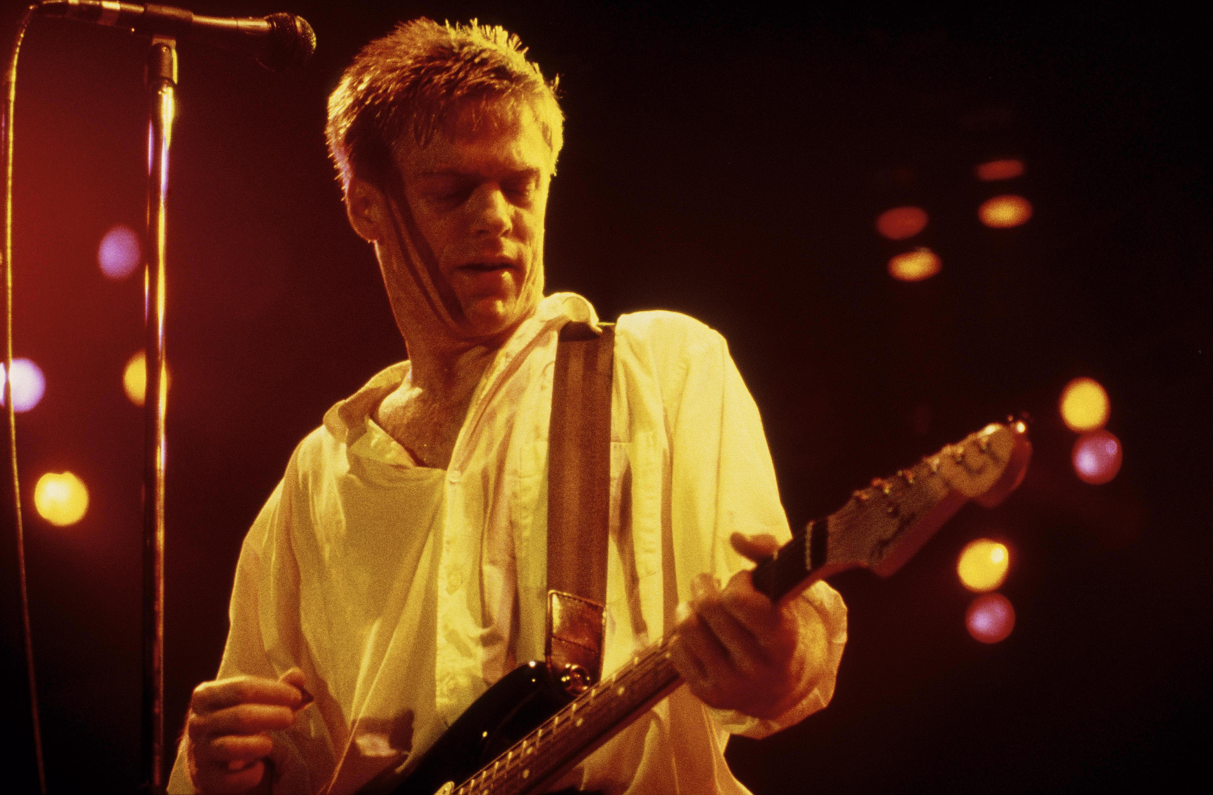 Top canadian pop music artists of the 39 80s - Bryan adams room service live in lisbon ...