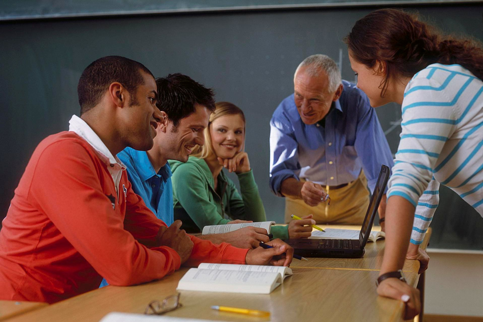 Easy Guide to Making Lesson Plans for Adult Students