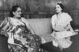 Sirimavo Bandaranaike and Indira Gandhi, 1976