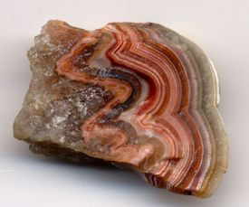 Agate is chalcedony that displays concentric banding.