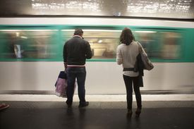 Arrival of a Paris metro