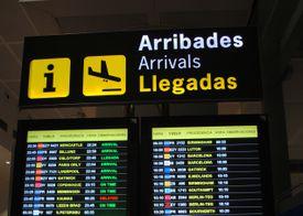 airport arrivals sign