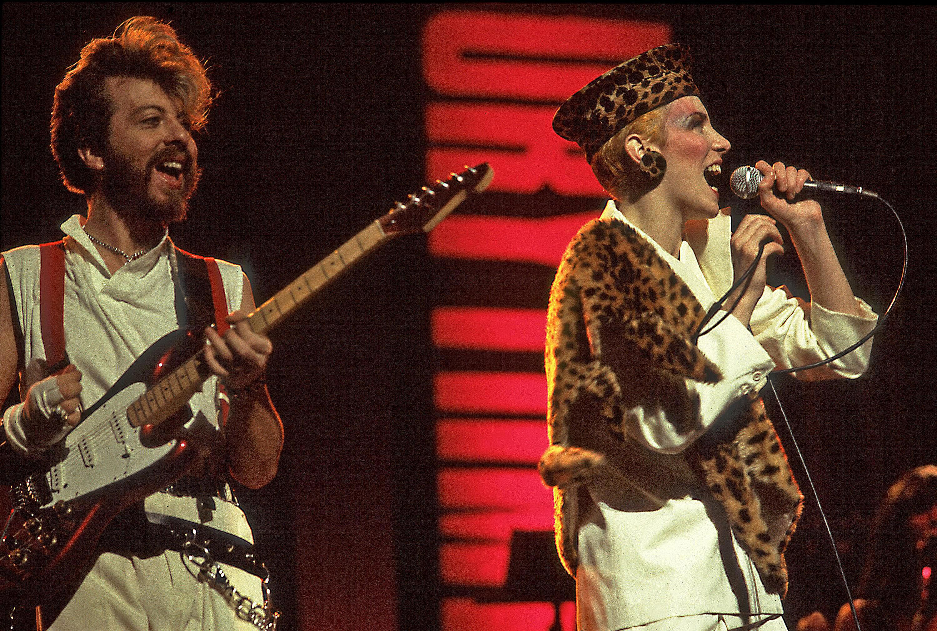 top 39 80s songs from english synth pop duo eurythmics. Black Bedroom Furniture Sets. Home Design Ideas
