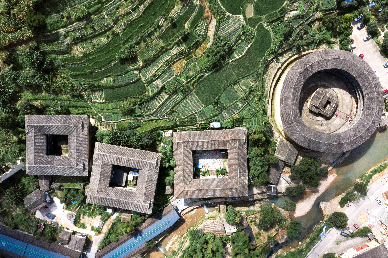 Fujian Tǔlóu, old rural dwellings in the mountains of southeastern Fujian
