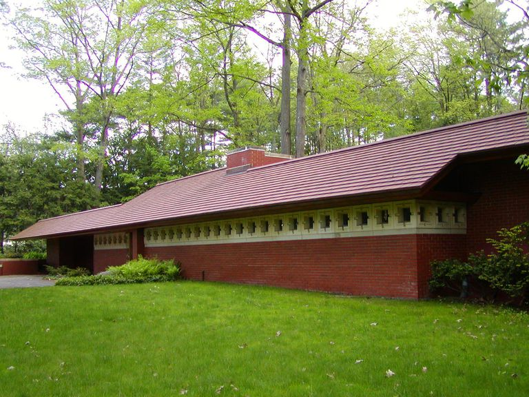 Clerestory front windows of Zimmerman House, Usonian style Frank Lloyd Wright in New Hampshire