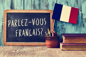 French writing on a chalkboard