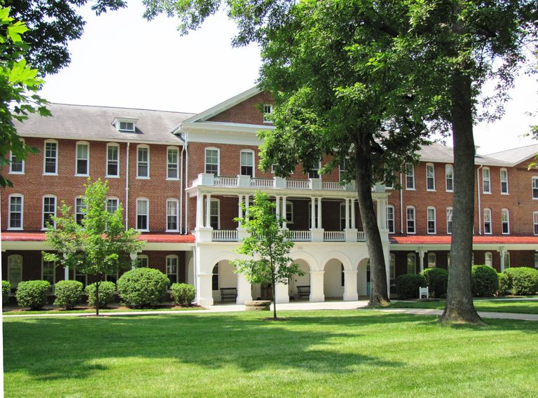 Hollins College