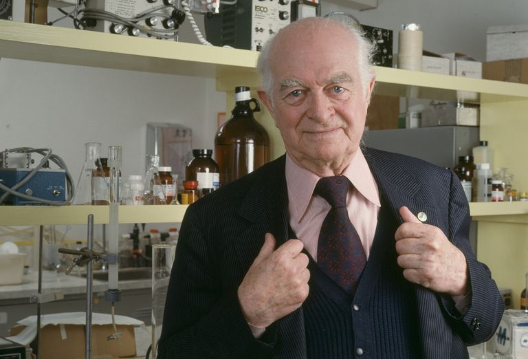 American chemist and multiple Nobel Laureate Linus Pauling (1901 - 1994), June 1982.