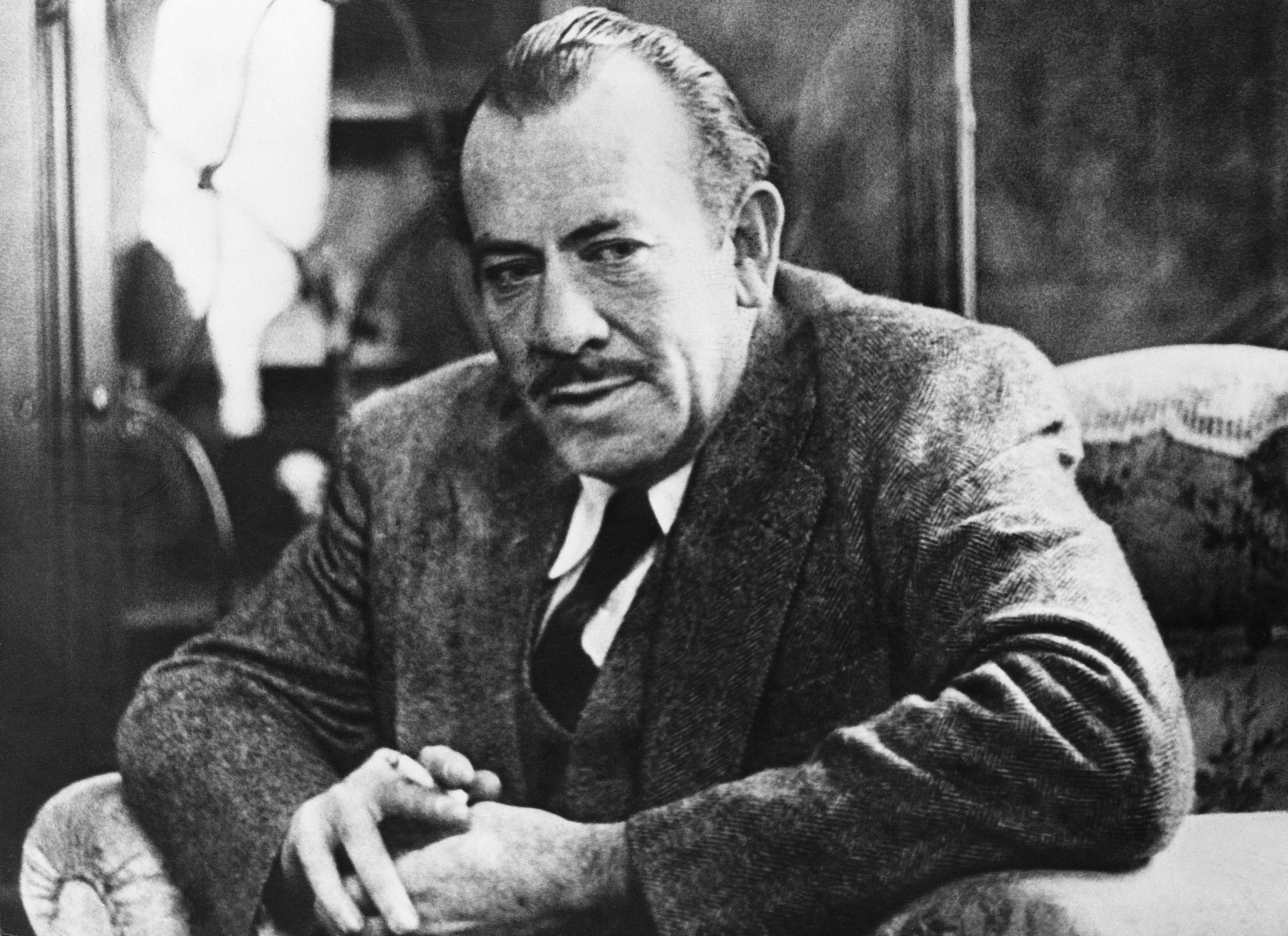steinbeck Who was john steinbeck john ernst steinbeck jr (february 27, 1902 to december 20, 1968) was a nobel and pulitzer prize-winning american novelist and the author of of mice and men, the grapes of.