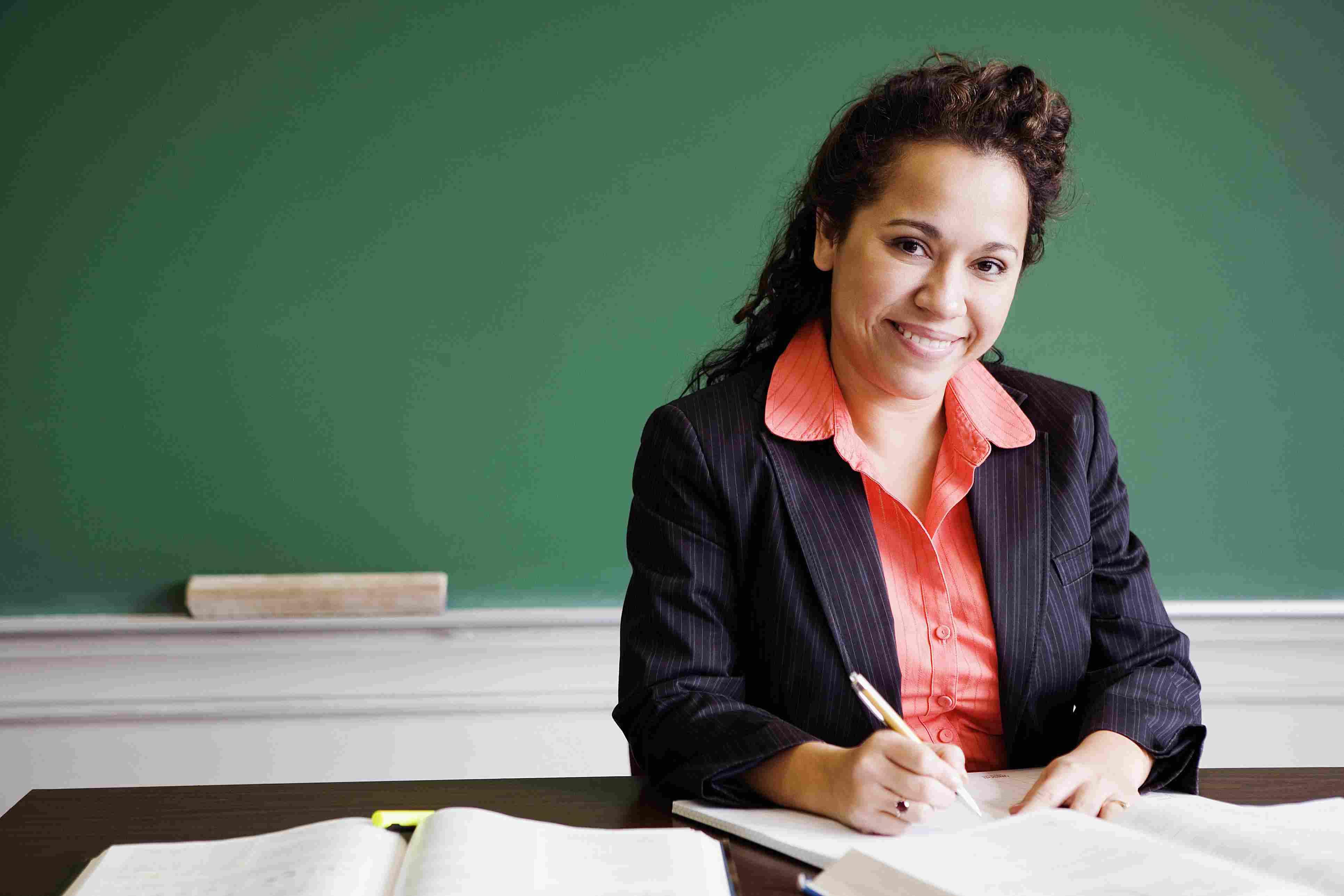 Maestra latina.