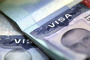 Visa de Estados Unidos estampada en un pasaporte