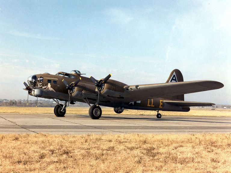 "Boeing B17 ""Flying Fortress"" plane"