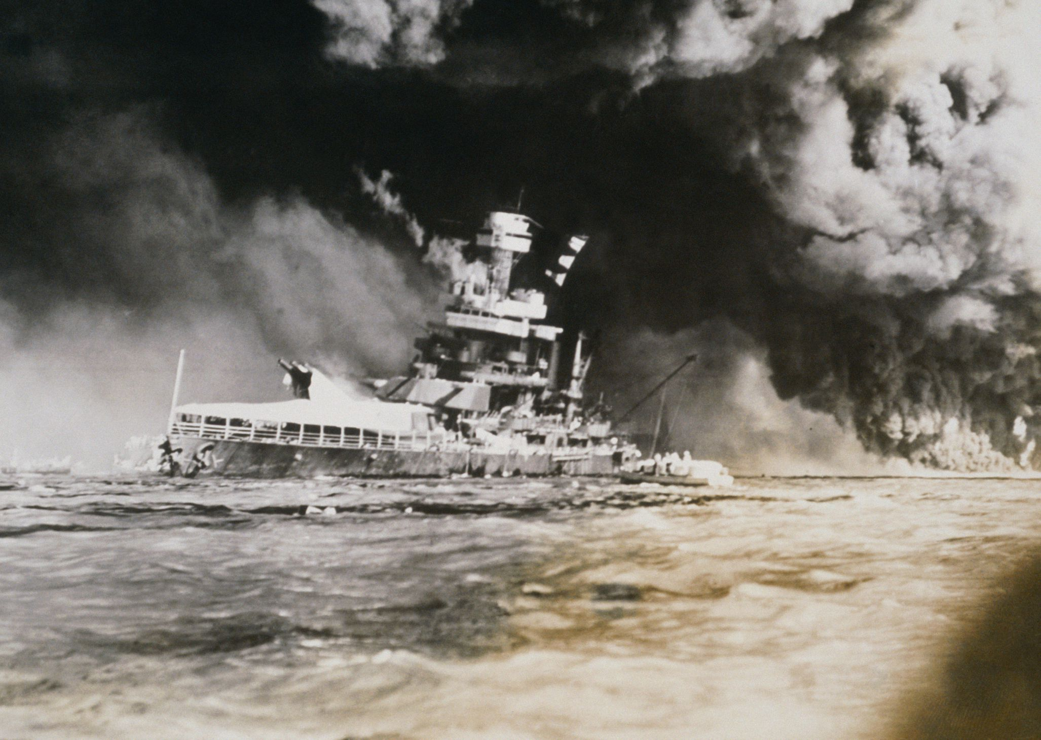 japans war with china and the attack on pearl harbor Imperial japan would have been far better off had it forgone the attack on pearl harbor and confined its operations to the western pacific bear in mind that japan had already been at war for a decade by the time it attacked hawaii the imperial japanese army invaded manchuria in 1931 and china.