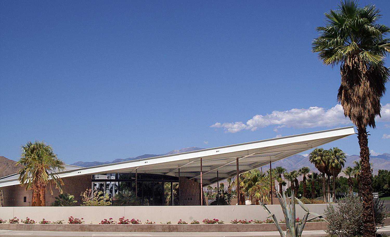 Βενζινάδικο Tramway - Palm Springs California Visitors Center Tramway Building