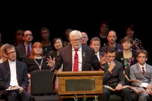 Jeff Marks, of WDBJ in Roanoke, speaks at a service