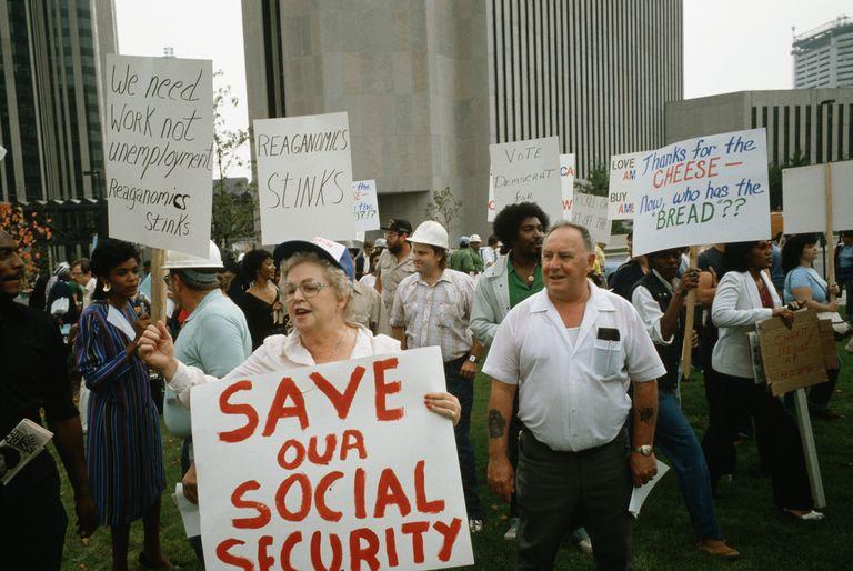 people protesting Reaganomics